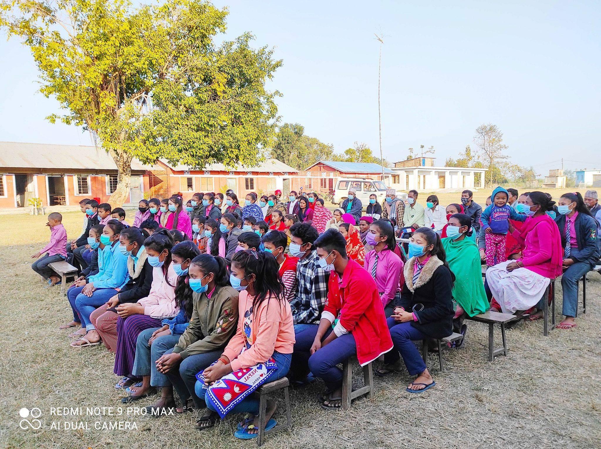 बर्दियाको राजापुर, गुलरिया र बढैयातालमा शैक्षिक सामाग्री वितरण