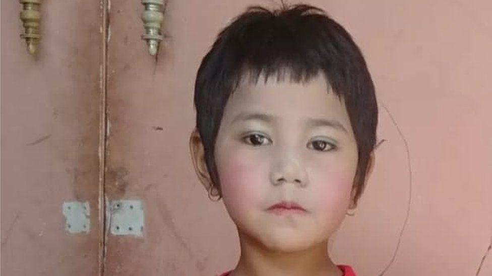 सात वर्षीया बालिकालाई बुबाको अंगालोमा जान खोज्दै गर्दा गोली हानि मारियो