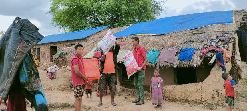 कोरोना बिरामी तथा कुरुवाका लागि भान्सा घर सन्चालनमा जुटे बैजनाथका युवाहरु
